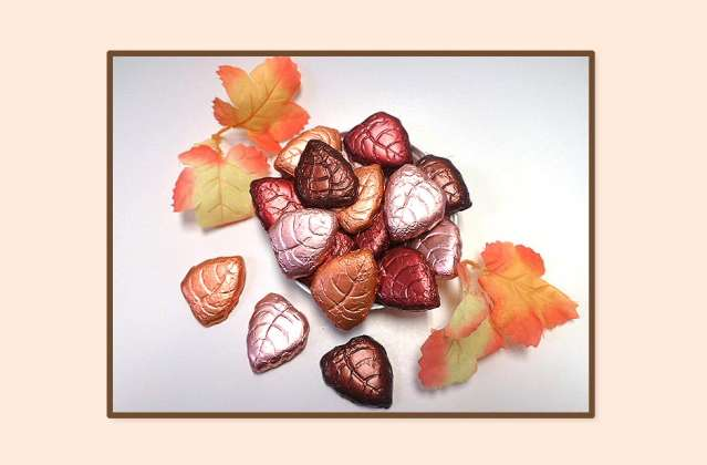 Dark Chocolate Foil Wrapped Fall Leaves: click to enlarge